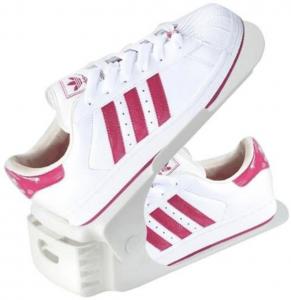 Schuhe auf Gestell